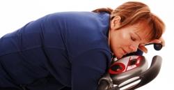 چگونه بدون ورزش و رژیم لاغر شویم؟ 8 راه لاغری بدون سختی | مجله سلامت یاثار