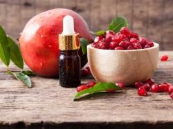 خصوصیات و عوارض روغن هسته انار | 6 فایده روغن دانه انار برای بدن | مجله سلامت یاثار