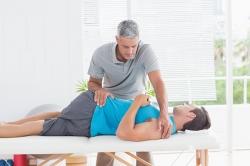 تمرین معالجه ای چیست ؟ اثر تمرین معالجه ای در خوب شدن درد بدن | مجله سلامت یاثار