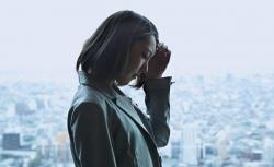 حساسیت به بو، نور و لامسه حساس از علامت های میگرن | مجله سلامت یاثار