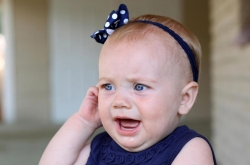 نشانه ها عفونت گوش در نوزادان - معالجه عفونت گوش نوزاد | مجله سلامت یاثار