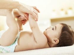 دلايل و راهکارهای معالجه اسهال نوزادان | مجله سلامت یاثار