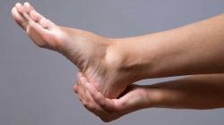 دلیل درد پا چیست؟ 10 علت و راه معالجه درد کف یا پاشنه پاها   مجله سلامت یاثار