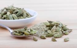 فایده هل چیست؟ خصوصیات و پیامد هل برای جسم | ویتامین و کالری ادویه هل | مجله سلامت یاثار